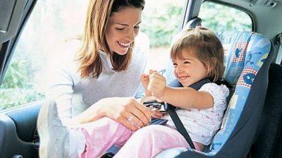 Vrei cel mai bun scaun auto pentru copii in functie de greutatea micutului?