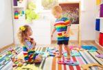 Cum sa iti cresti copilul dupa principiile educatiei Montessori?
