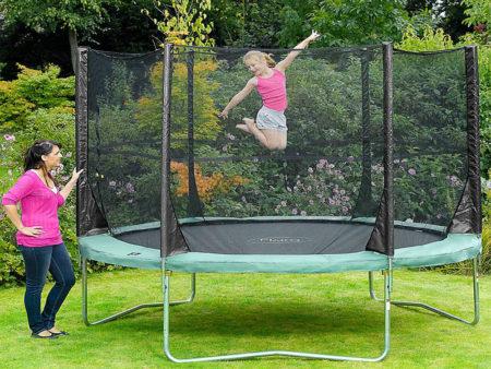 trambulina pentru copii este o jucarie foarte buna pentru dezvoltarea copiilor