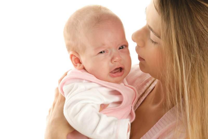 colici abdominali la bebelusi