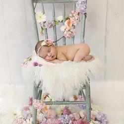 cauti un fotograf pentru o sedinta foto nou nascut de neuitat?