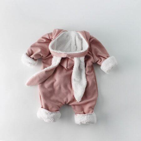 Bucura-te de cel mai frumos articol vestimentar pentru micutul tau.