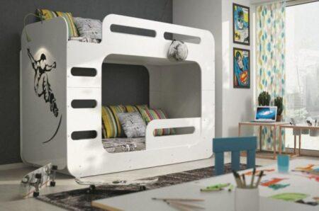 Integreaza o piesa de mobilier de calitate pentru dormitorul copiilor.